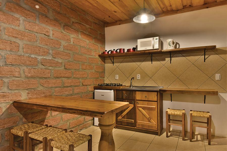 Apartamento para 6 pessoas no interior de Gramado
